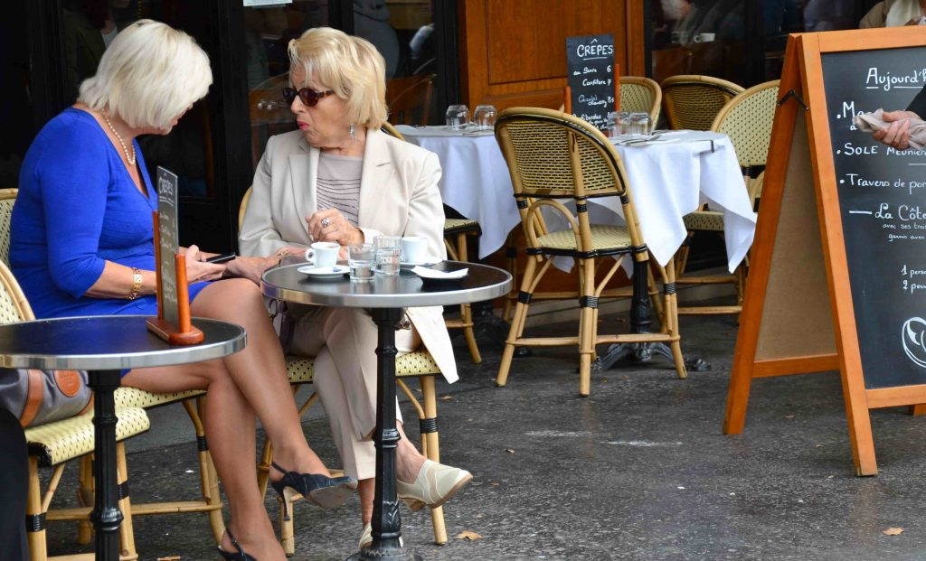 Les-1-Bonjour-cafe-Parisienne-dames