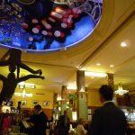 La Coupole brasserie binnen Puur Parijs
