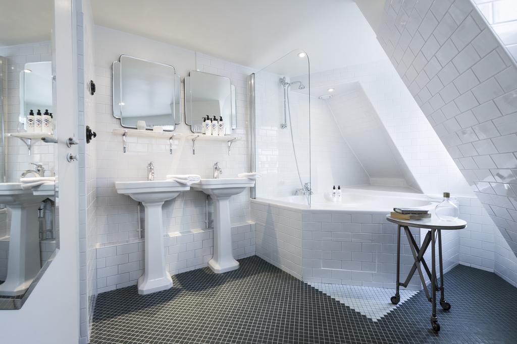 Hotel Panache badkamer wit zwart Puur Parijs