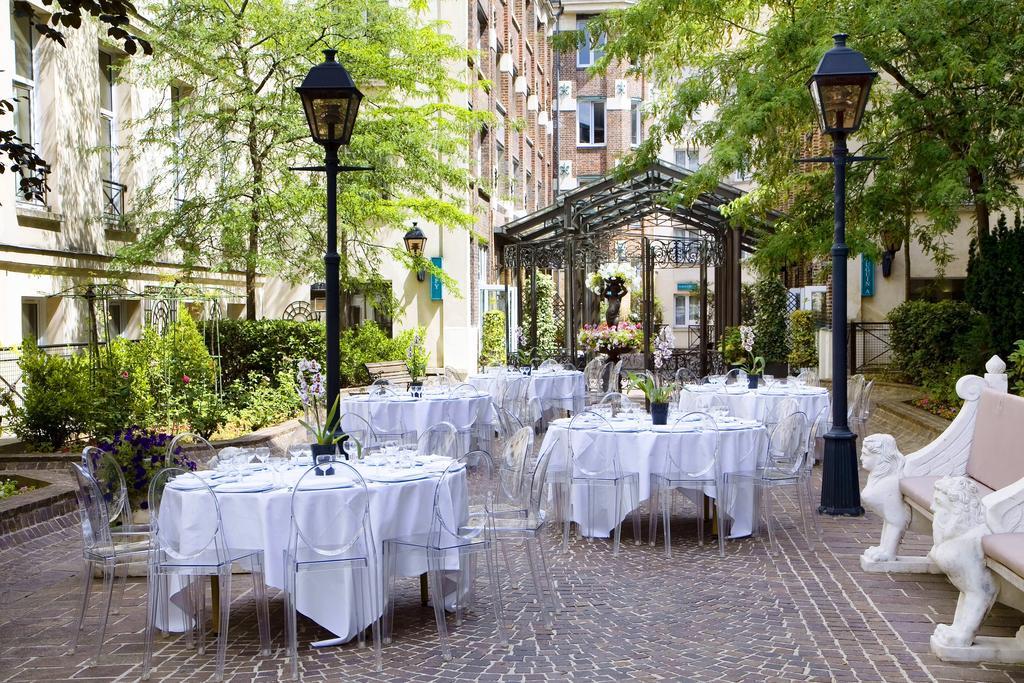 Hotel Les Jardins du Marais binnenplaats Puur Parijs