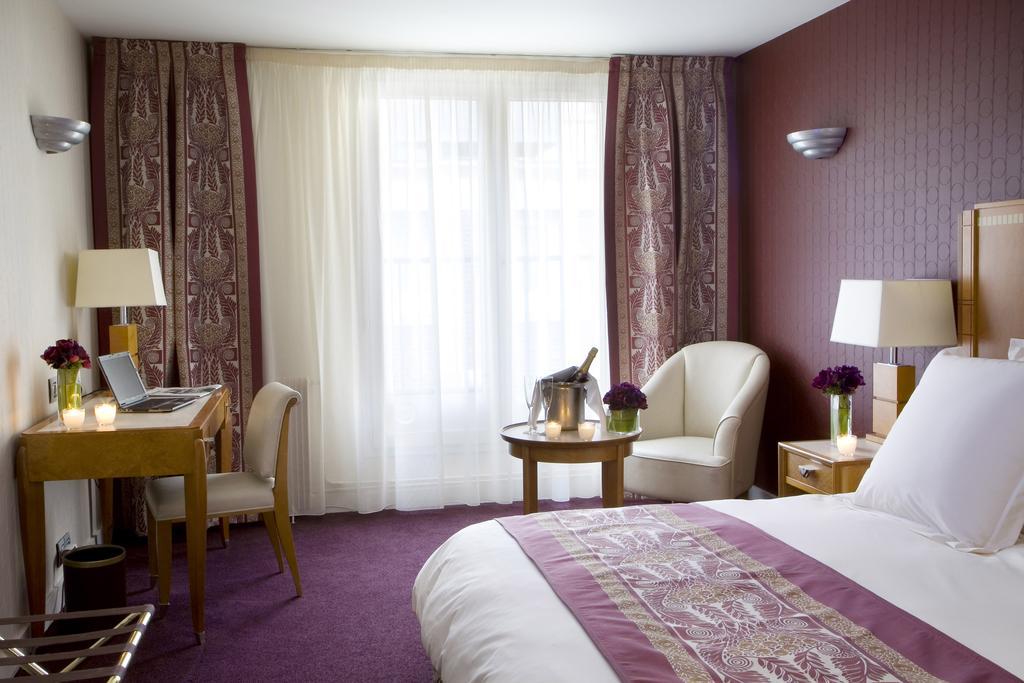 Hotel Les Jardins du Marais slaapkamer champagne Puur Parijs